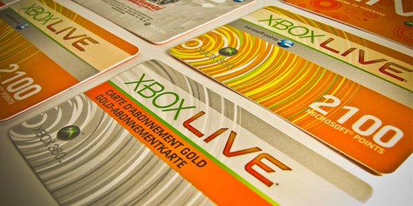 Xbox Live Gold vs Playstation Plus: How Do They Compare