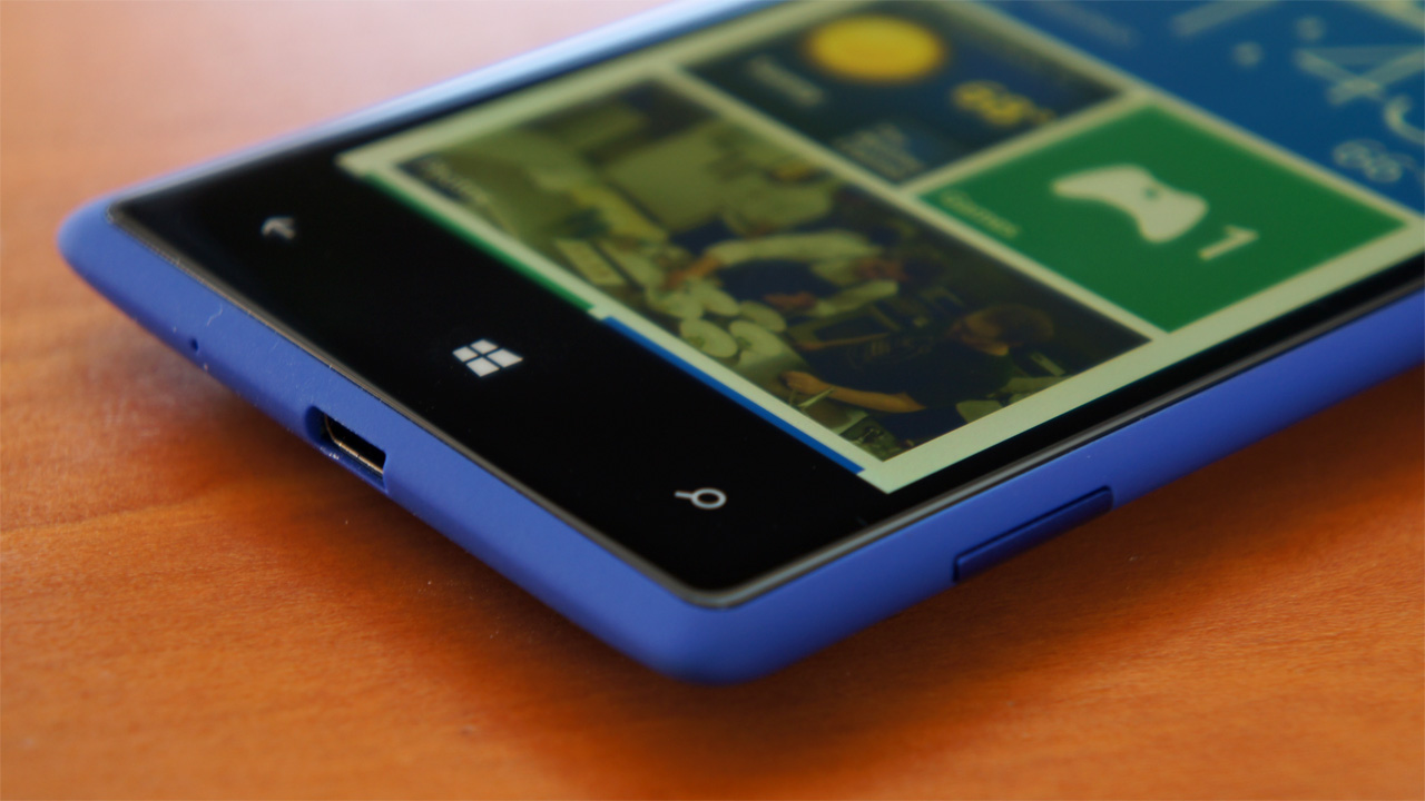Nokia finally unveils not one but two windows phones the lumia 800 - An Error Occurred