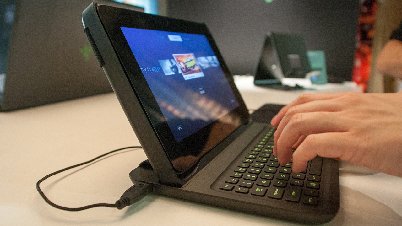 Ces 2013 Hands On With The Razer Edge Gaming Tablet Tested