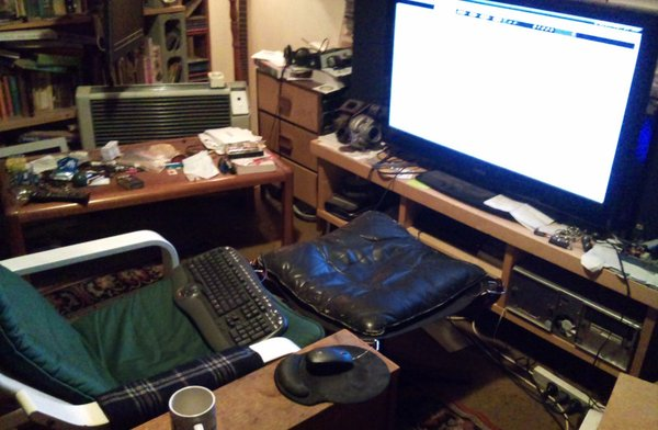 ... at this distance I can still make out the difference between 720p and 1080p video on my 40 ... but the mouse/keyboard situation isnu0027t ... & The Living Room PC Part 2: The Keyboard and Mouse Problem - Tested islam-shia.org
