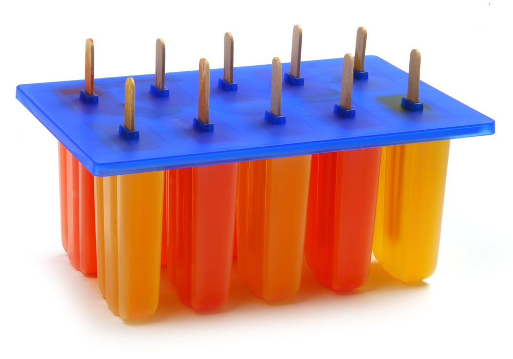 The best pick if you're making lots of ice pops for a party or gathering is the Norpro Ice Pop Maker. When I spoke with David Carrell at Brooklyn-based pop shop People's Pops, he recommended this set.
