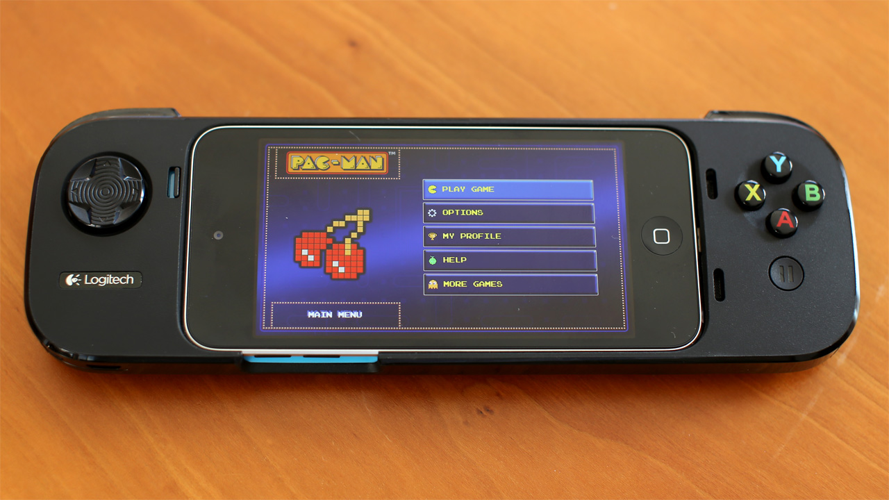 buy popular 7f065 b077f Hands-On with Logitech's PowerShell iOS 7 Gamepad - Tested