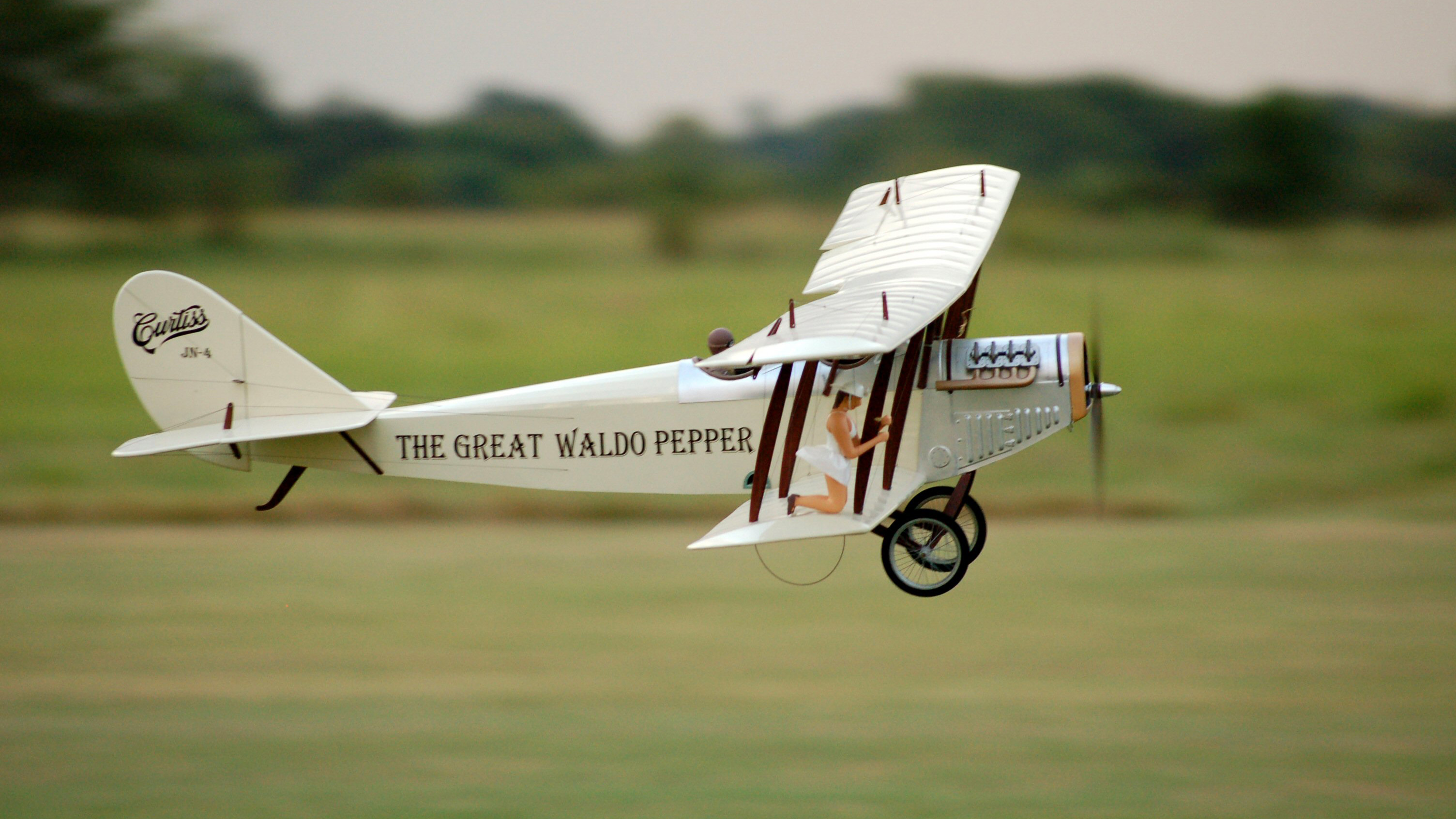 How to get started with hobby rc vehicles tested keith sparks is an rc flyer who typically prefers realistic looking models he even added a wing walking susan sarandon as mary beth to his curtiss jenny solutioingenieria Gallery
