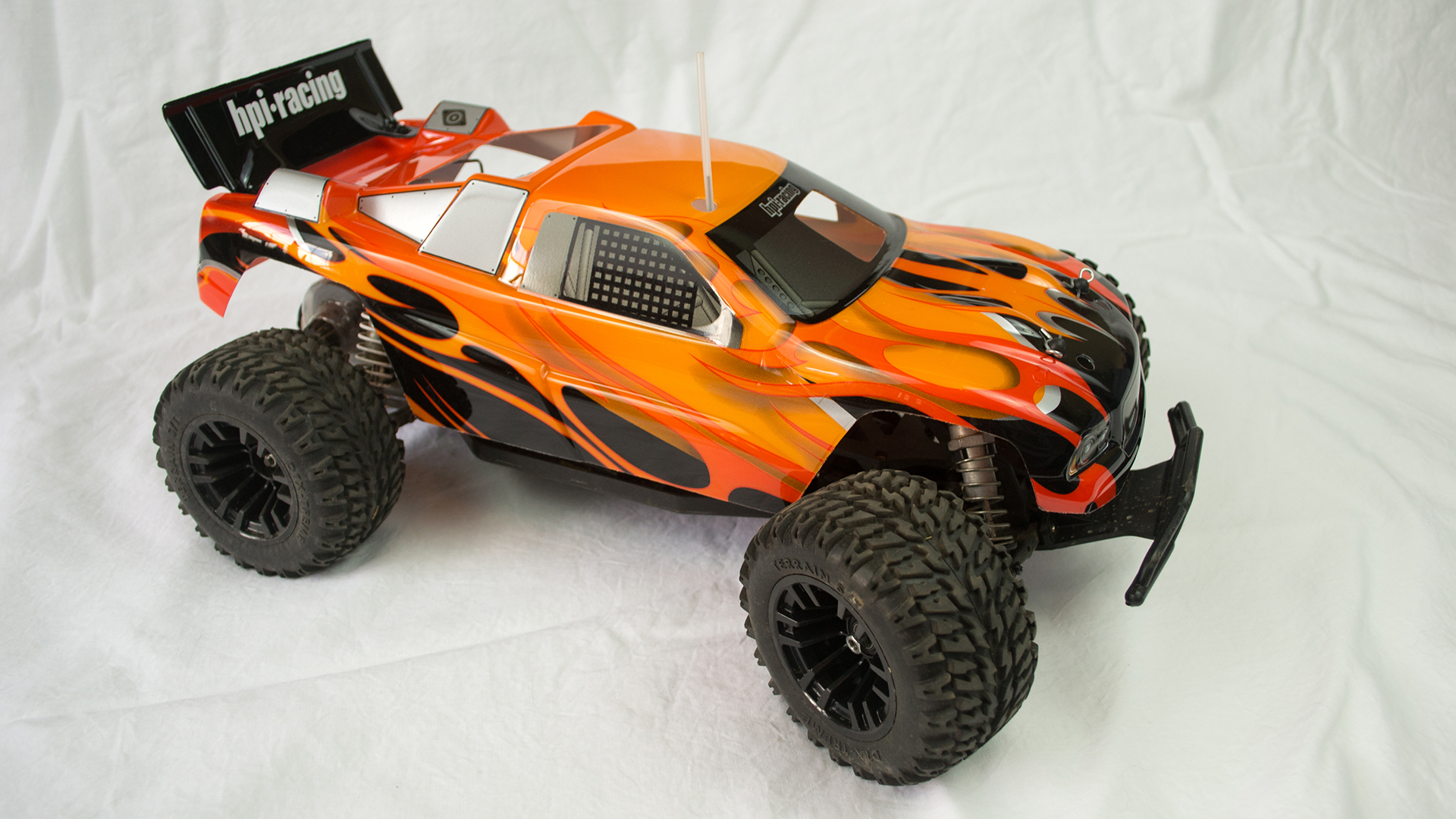 How To Get Into Hobby Rc Upgrading Your Car And Batteries Tested F1 Receiver Board Helicopter Spare Parts Circuit Hot Sell Bx Looks Very Different From The Original Buggy Style This Radical Change Only Required A Few Component Swaps Such Adaptability Is Common In