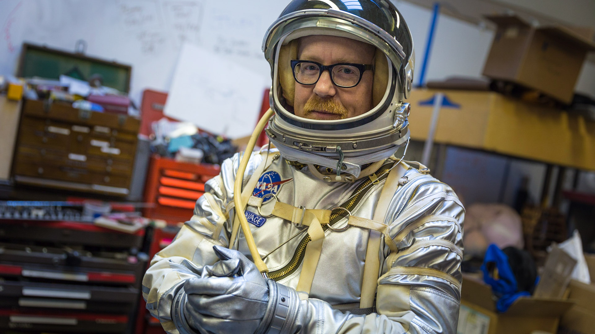 an astronaut in his space suit and with a propulsion - photo #24