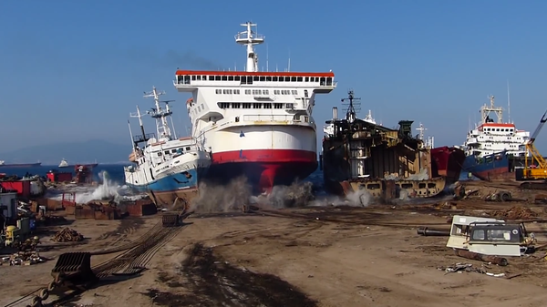 Watch A Ship Intentionally Run Aground Tested