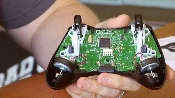 how to take apart an xbox 360 gamepad tested rh tested com Xbox 360 Controller Repair Shop Xbox 360 Modded Controller