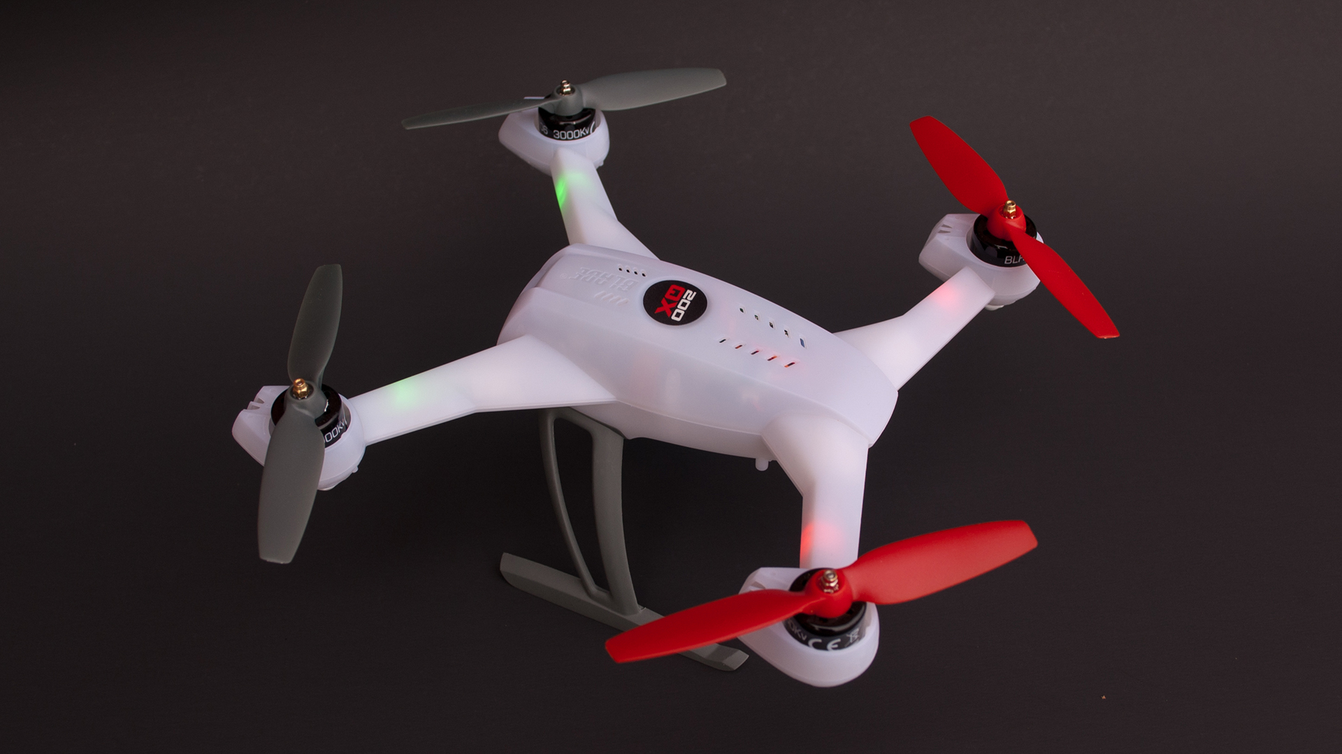 Testing Blade 200qx A Multi Purpose Rotor Tested 350 Qx Battery Wiring Diagram The Offers Styling Similar To Blades Larger Quad Rotors Brushless Motors And 2 Cell Lipo Provide Ample Power