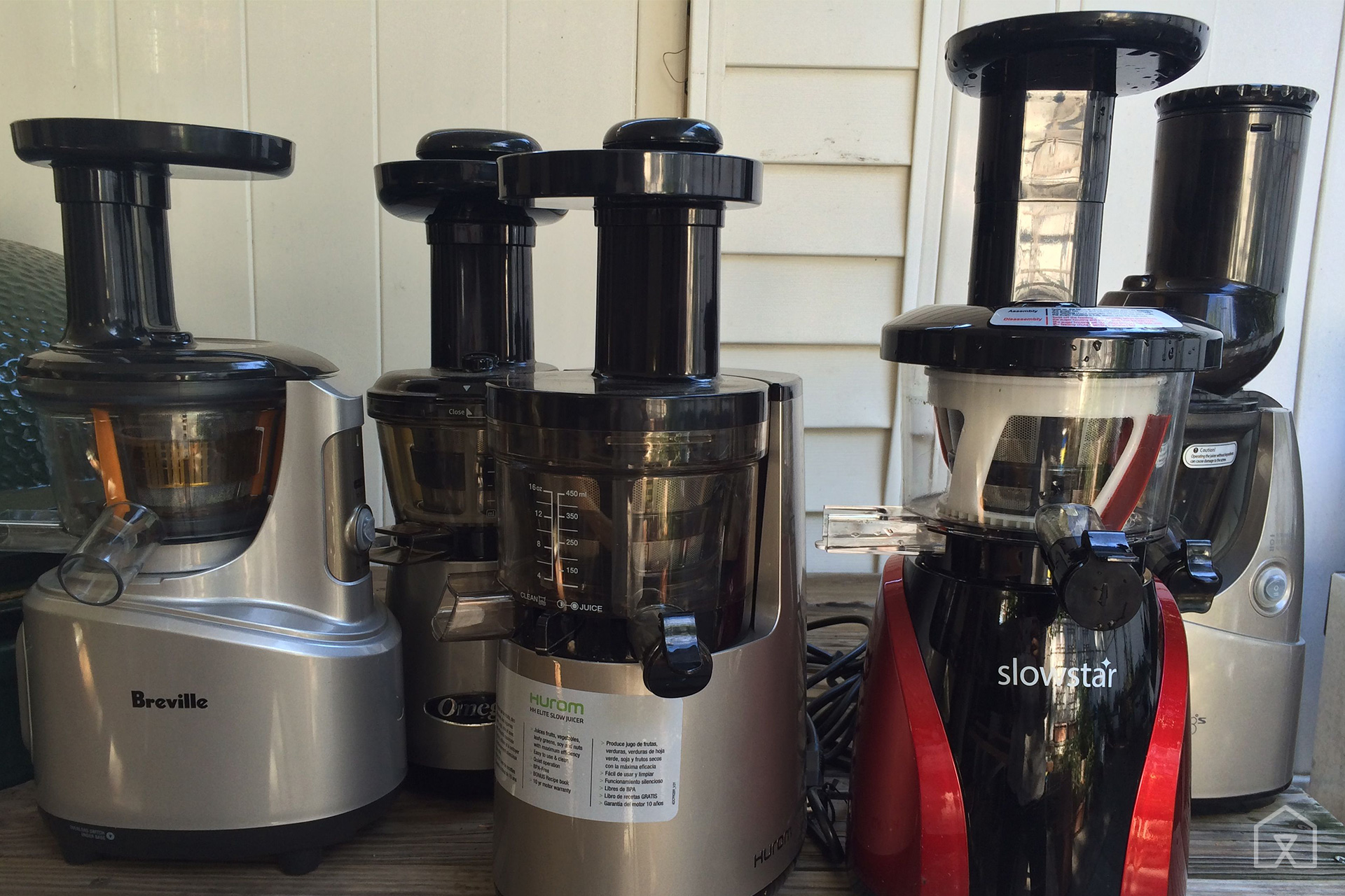 Breville Juice Fountain Elite Vs Hurom Slow Juicer : The Best Juicer You Can Buy Today - Tested