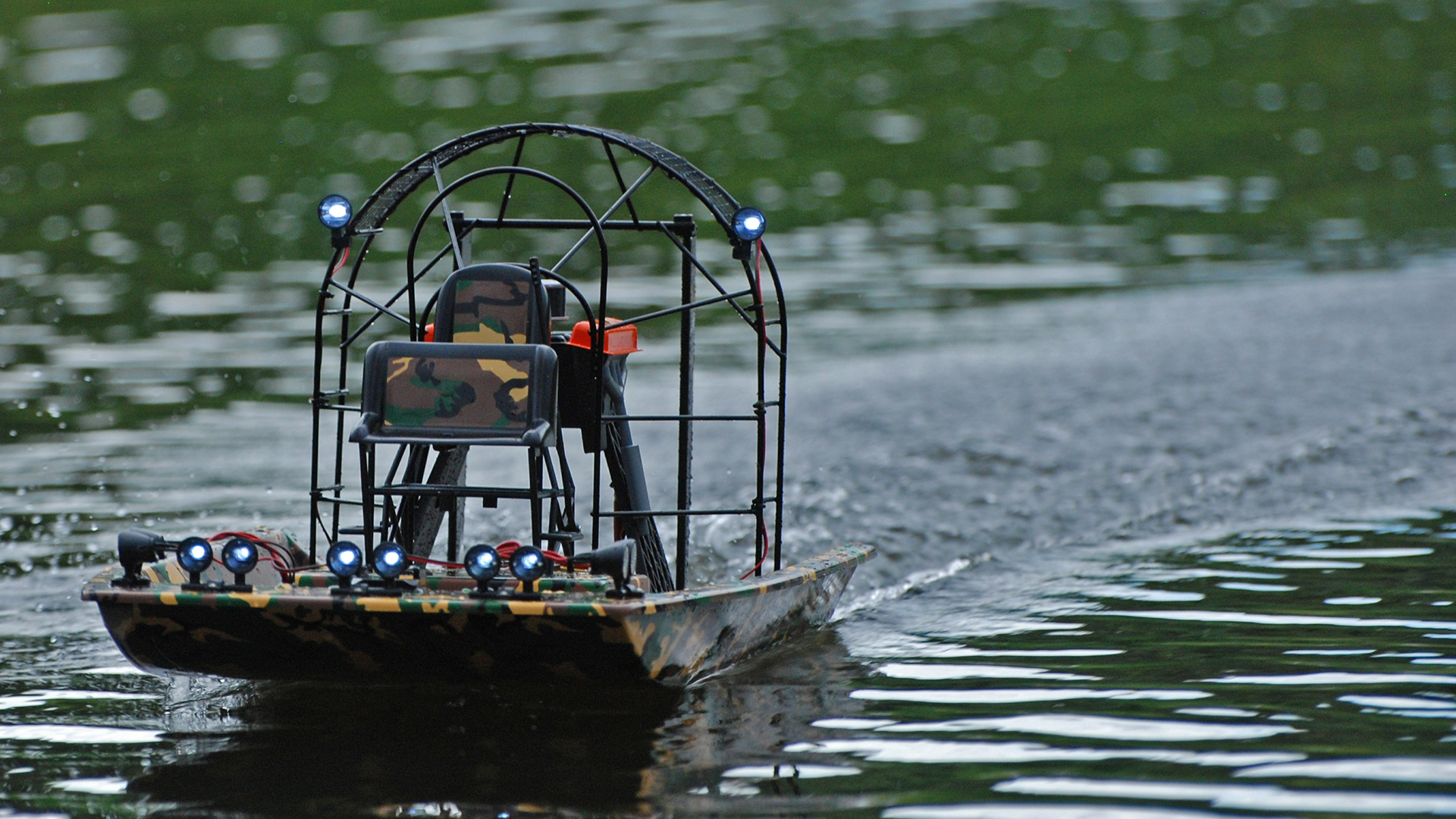 Hobby rc testing the aquacraft cajun commander tested a set of twelve led spotlights are positioned around the boat but they are not very bright sciox Image collections