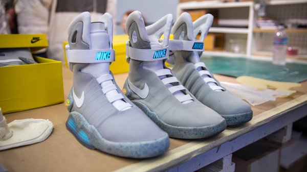 23b0e1d8be8 Back to the Future 2 Nike Air Mag Replicas - Tested