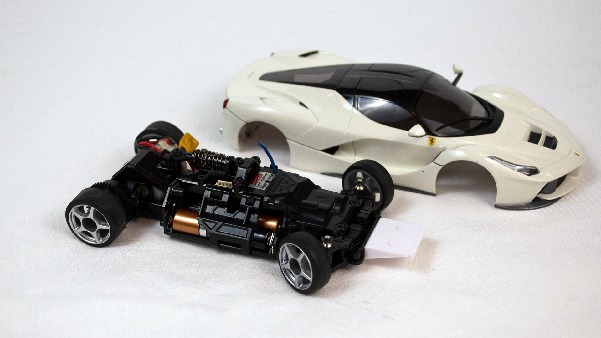 The body simply snaps on to the Mini Z chassis Numerous other scale like bo s are available