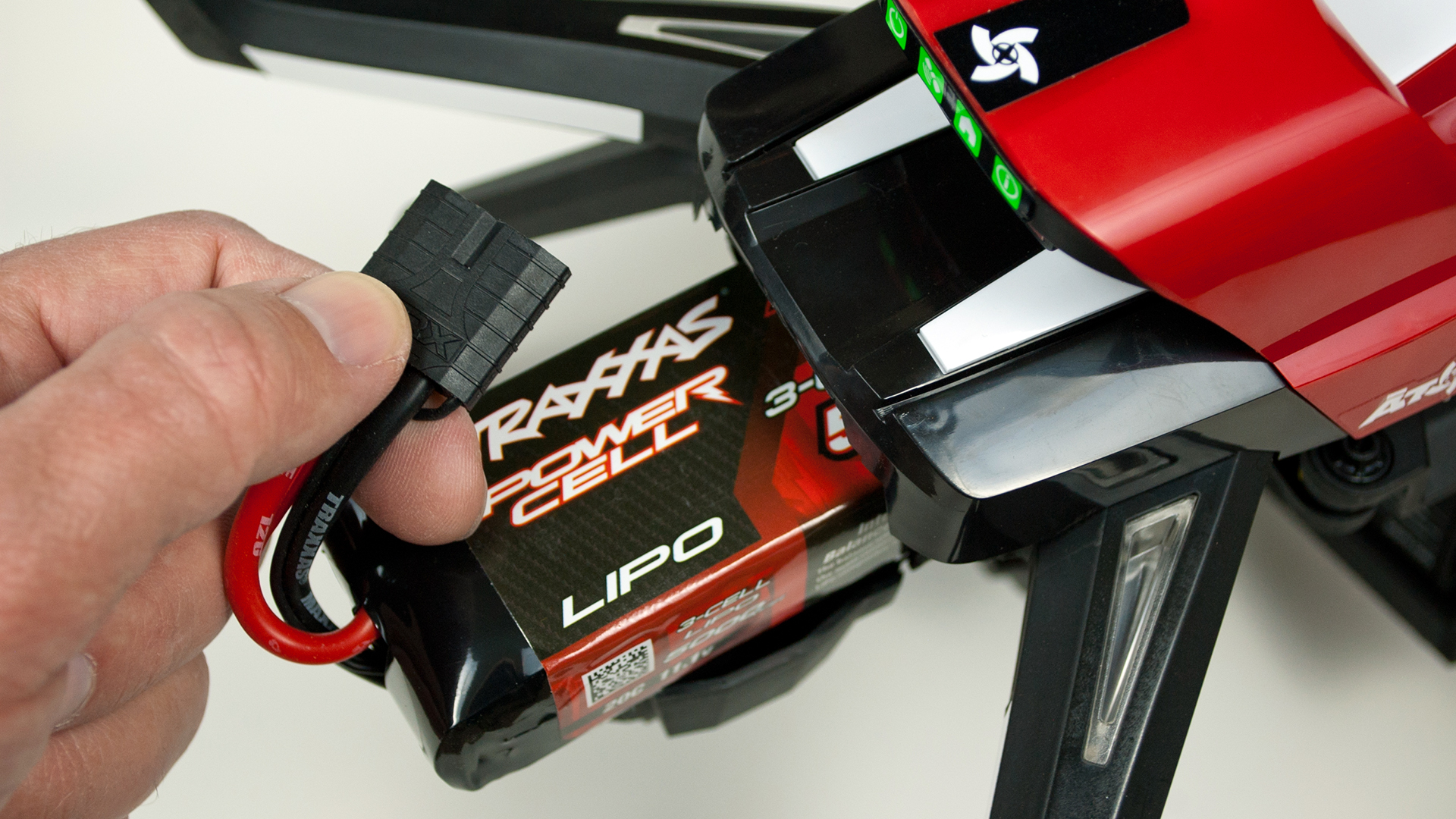 The Aton Plus includes a 3S 5000mAh LiPo The battery s power and balance leads are integrated into a single connector