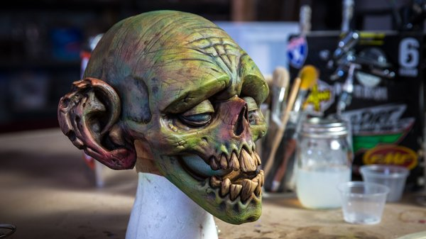 Spray Paint Mask >> How to Paint a Latex Zombie Mask! - Tested