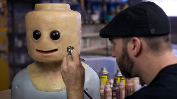 Painting The Realistic Lego Cosplay Mask Tested