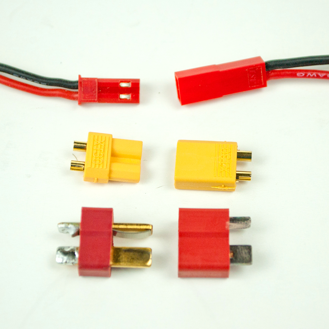 Testing Small Power Connectors For Hobby Rc Tested Automotive Wiring Harness Connectoramp Connector Terminal The Relative Sizes Of Jst Top Xt30 And Ultra Plug Also Reflect Their Handling Limits