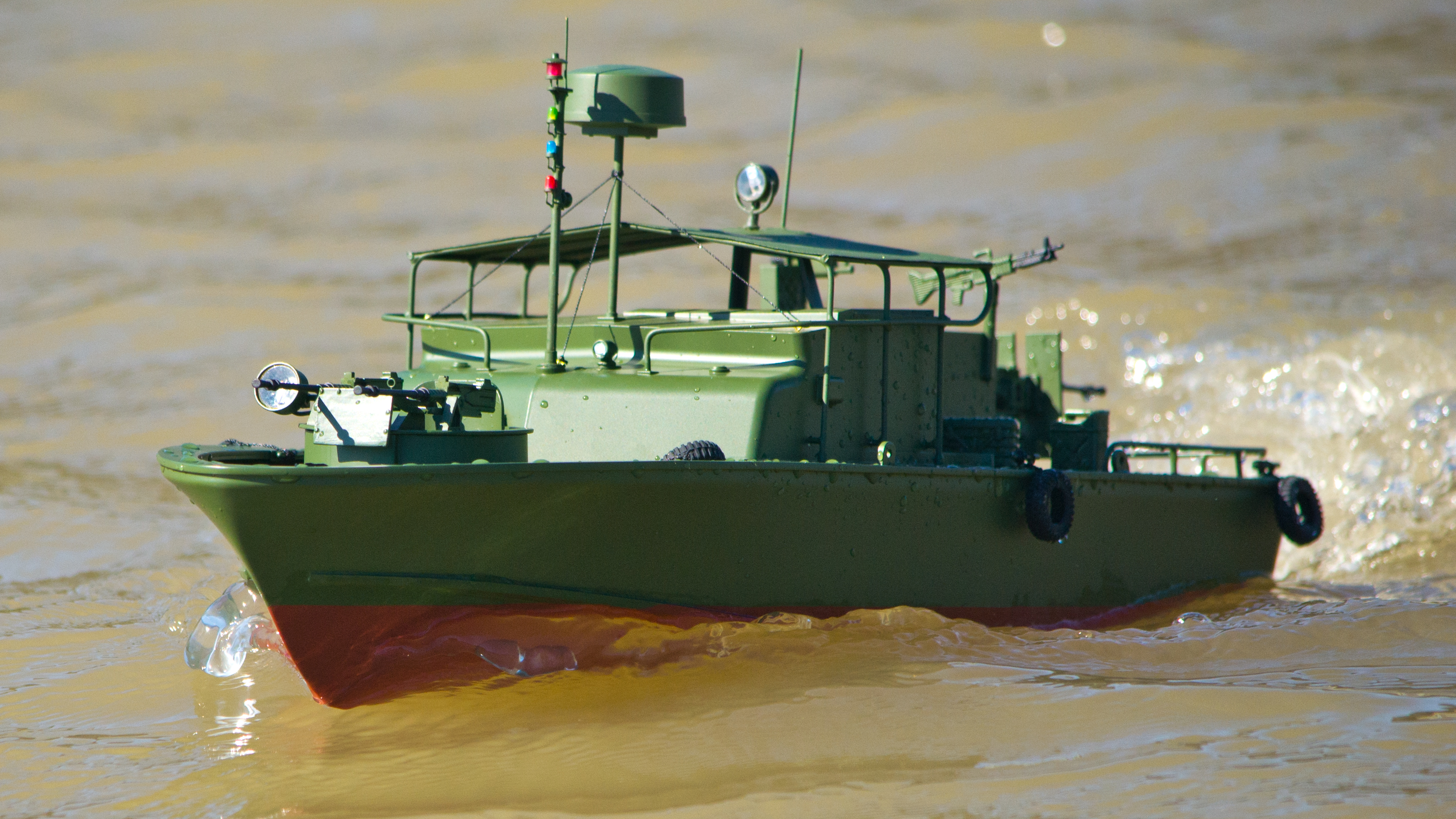 Testing the ProBoat Models Alpha Patrol Boat - Tested