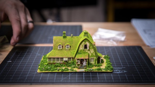 Let's Build: Kiki's Delivery Service Papercraft, Part 4 - Tested