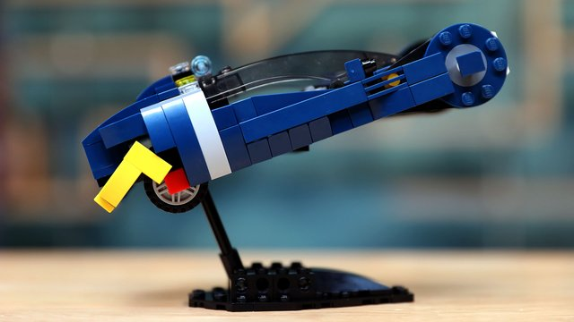 LEGO with Friends: Blade Runner Spinner with Alonso Martinez! - Tested