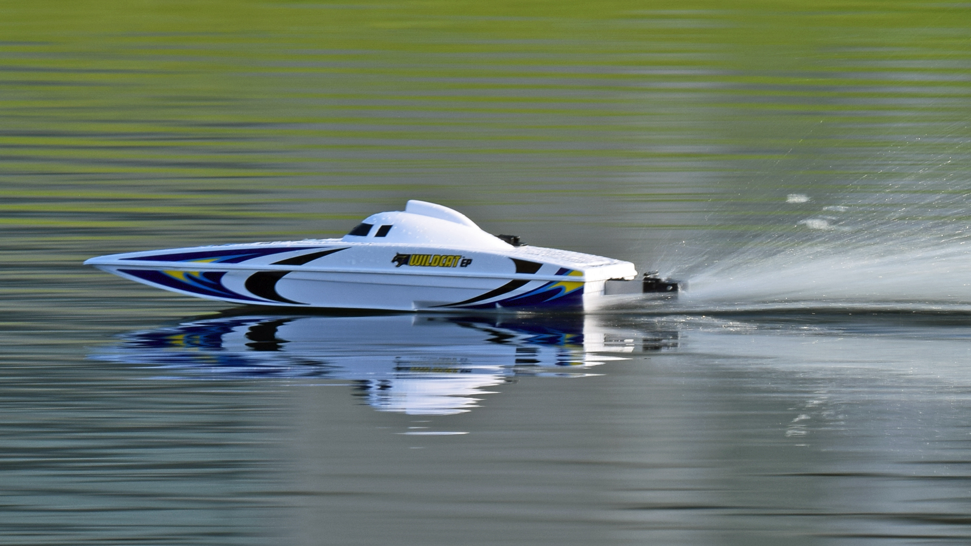 Testing: Aquacraft Wildcat EP RC Boat - Tested