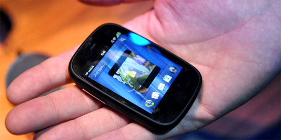 Sizing Up the Specs of HP's Pre 3 and Veer Smart Phones - Tested