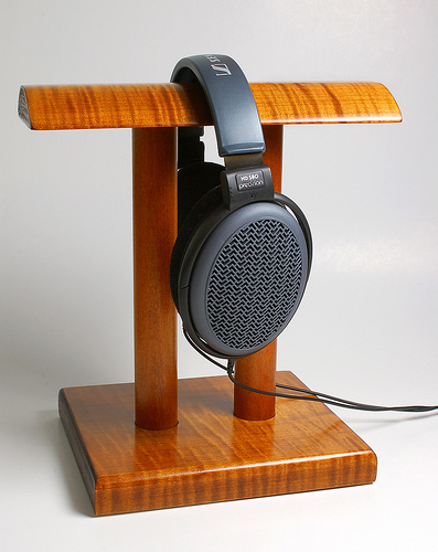 Headphone Stand Designs : Tips to make your own awesome headphone stand tested
