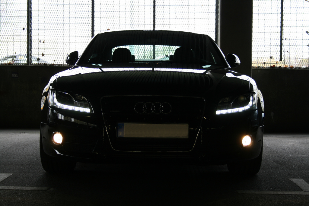 Halogen To Lasers How To Spot Different Types Of Car Headlights
